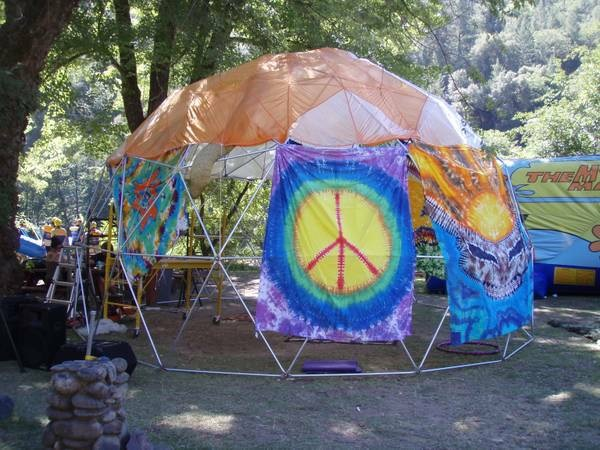 23.5ft by 14ft 3v frame with tie dye
